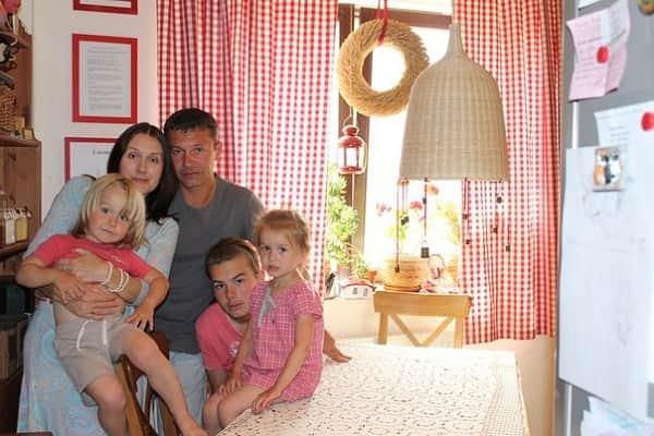 Никита Салопин с семьей