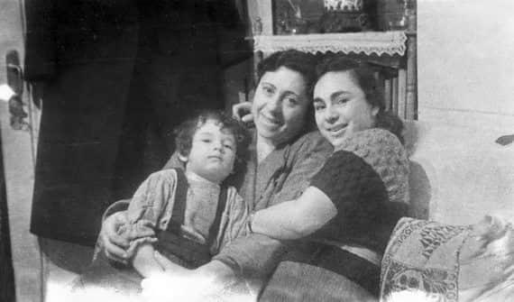 Людмила Улицкая в детстве