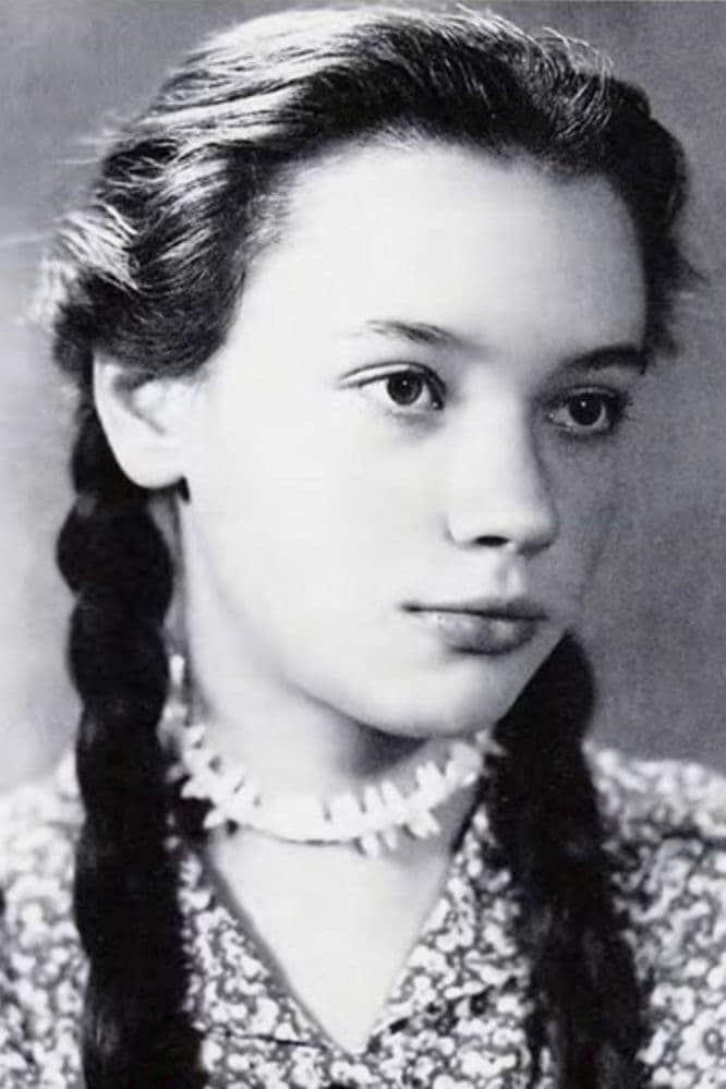Елена Санаева в юности