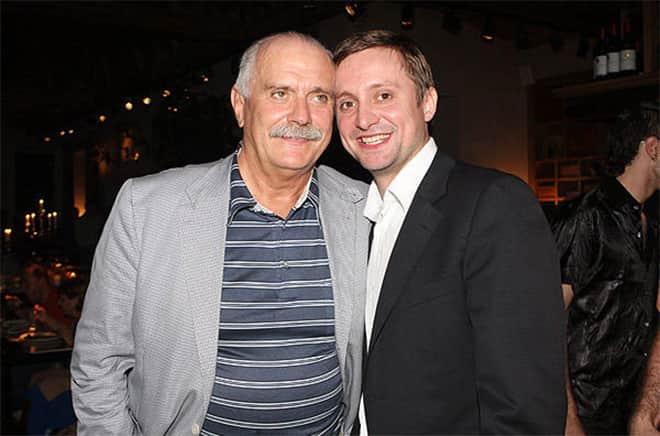 Артем Михалков с отцом Никитой Михалковым