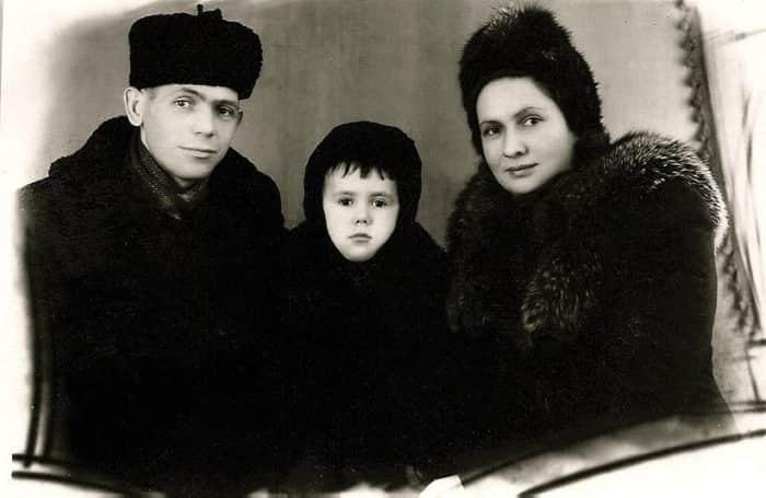 Станислав Садальский с отцом и матерью