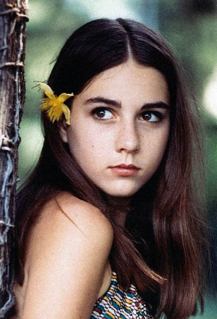 Ромина Пауэр в юности