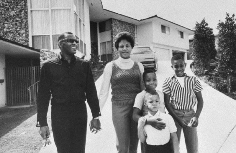Рэй Чарльз с семьей