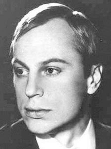 Юрий Богатырев в молодости