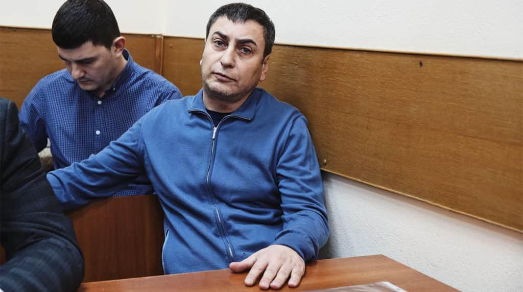 Отец Мары Багдасарян в зале суда
