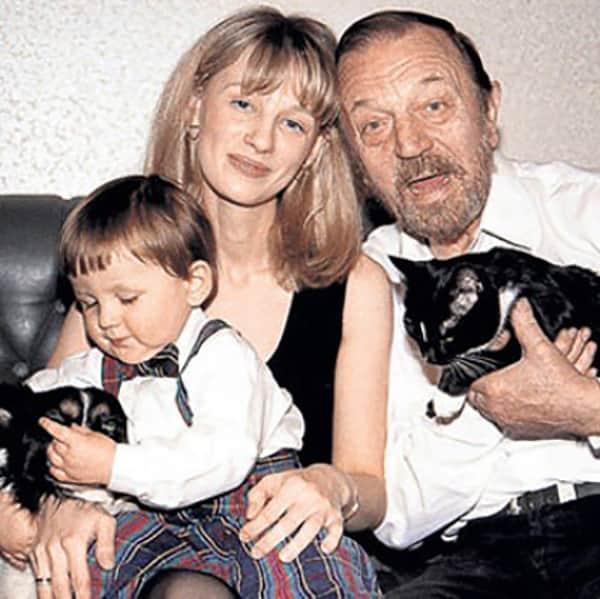 Анатолий Ромашин с семьей
