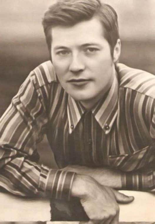 Евгений Жариков в юности