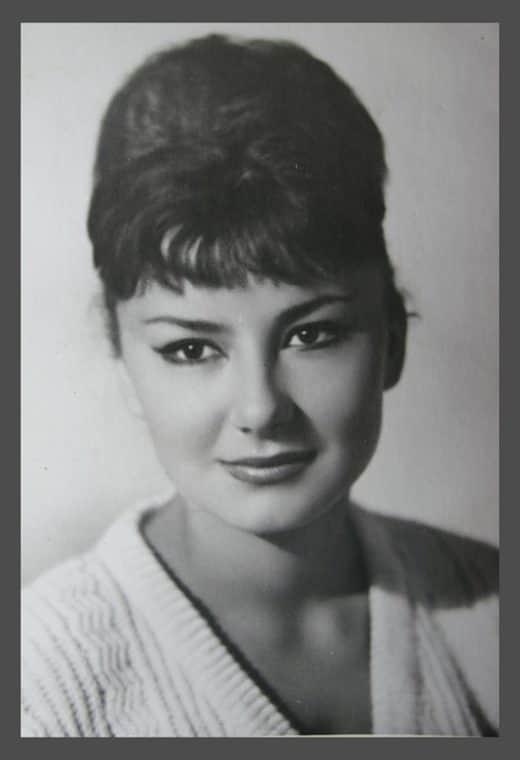 Татьяна Лаврова в юности