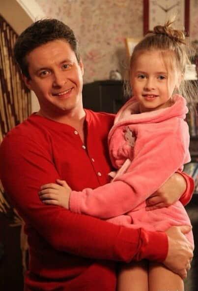 Александр Макогон с дочкой