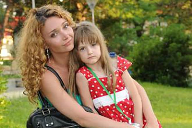 Юлия Маврина с дочкой