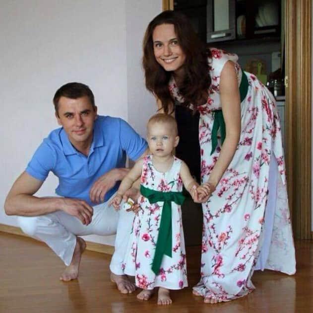 Кристина Бродская с мужем и ребенком