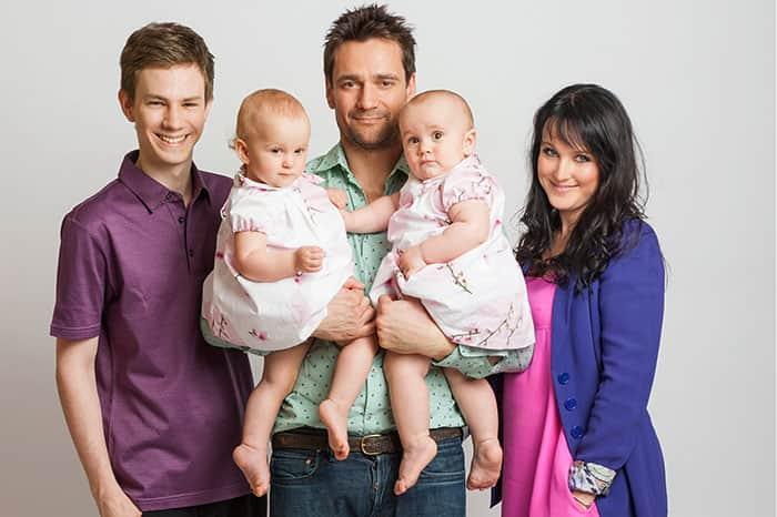 Дмитрий Миллер с семьей
