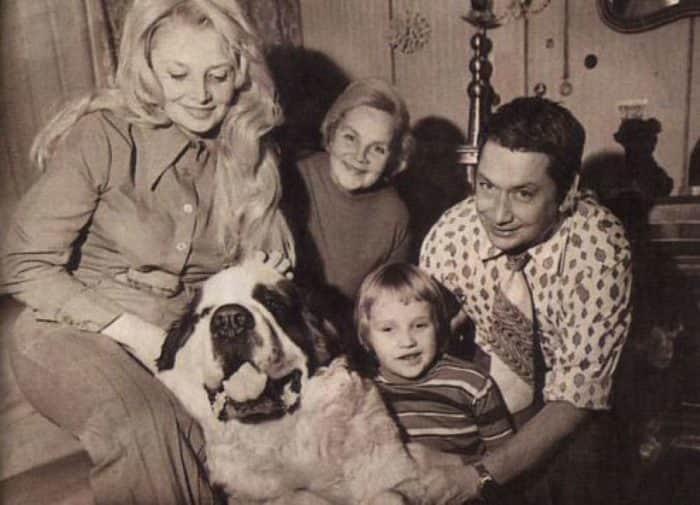 Наталья Кустинская с мужем и сыном