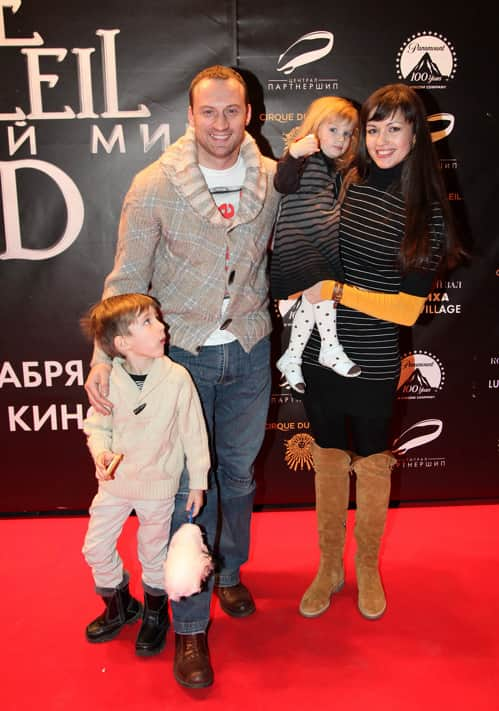 Анатолий Белый с семьей