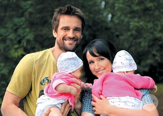 Дмитрий Миллер с женой и детьми