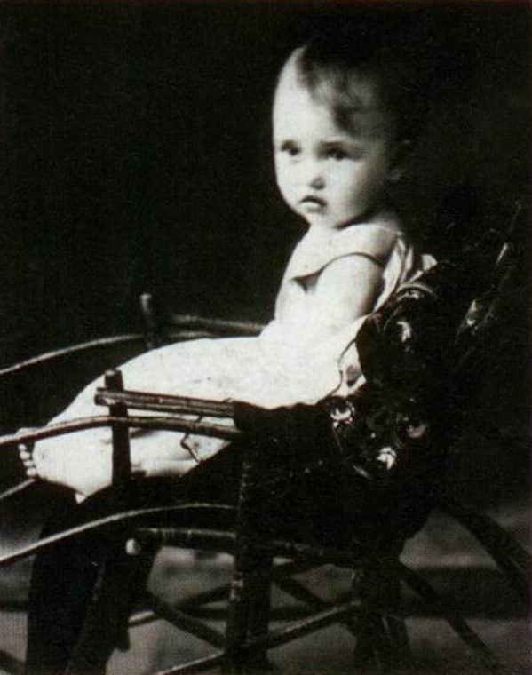 Зинаида Кириенко в детстве