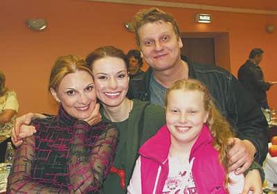 Ирина Лачина с семьей