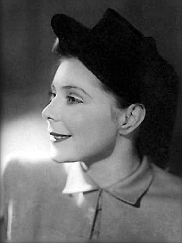 Ольга Аросева в юности