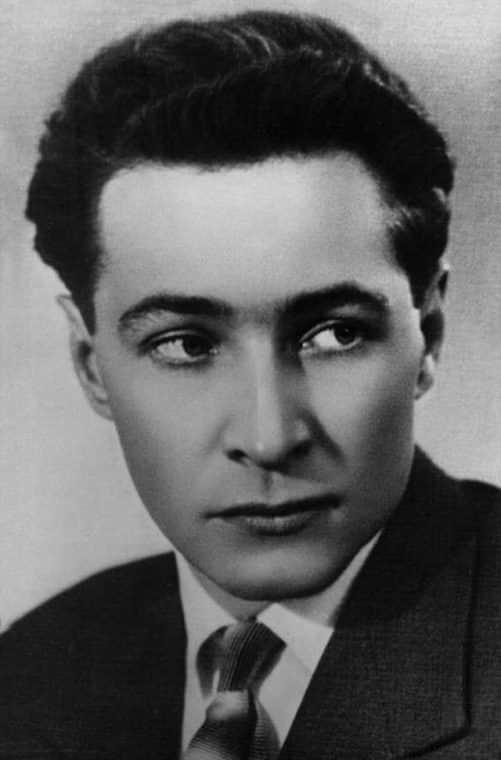 Вячеслав Тихонов в молодости