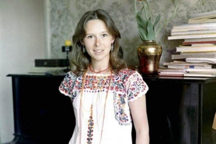 Евгения Симонова в юности