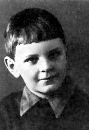 Юрий Яковлев в детстве