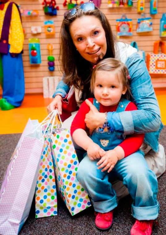 Марина Могилевская с дочкой