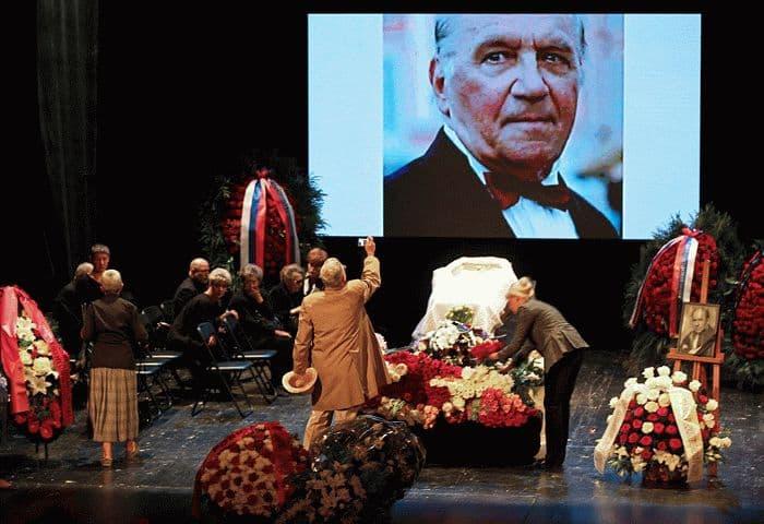 Похороны Льва Дурова