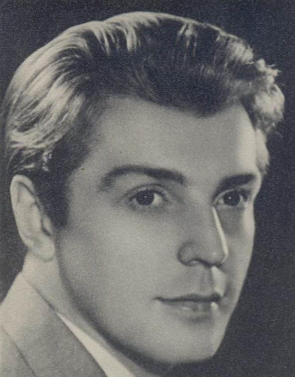 Олег Стриженов в молодости