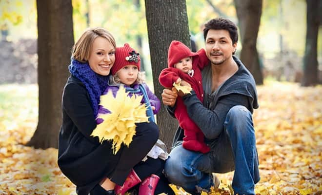 Ольга Ломоносова с мужем и детьми