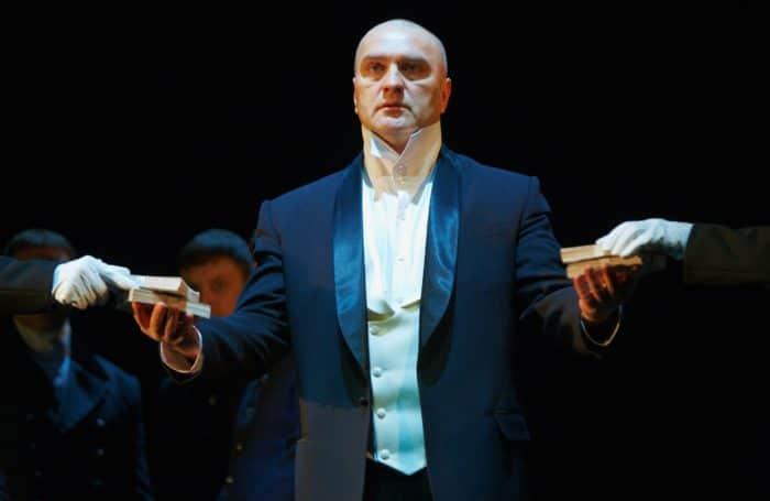 Александр Балуев в театре