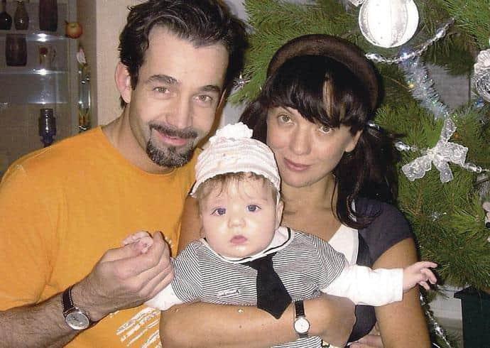 Дмитрий Певцов с женой и ребенком