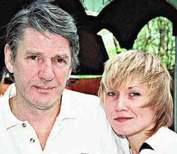 Александр Абдулов с женой