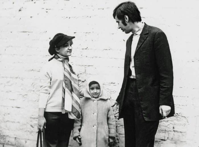 Георгий Бурков с женой и дочкой