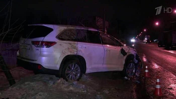 Машина Николая Караченцова после аварии в 2017г.