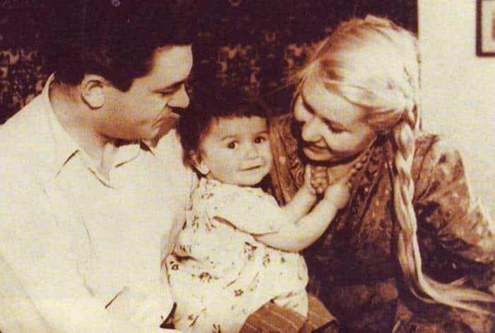 Инна Макарова с мужем и ребенком