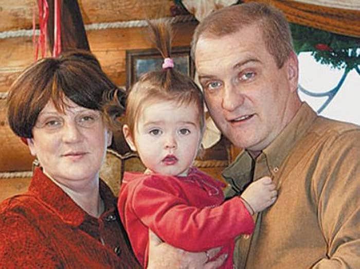 Александр Балуев с женой и дочкой