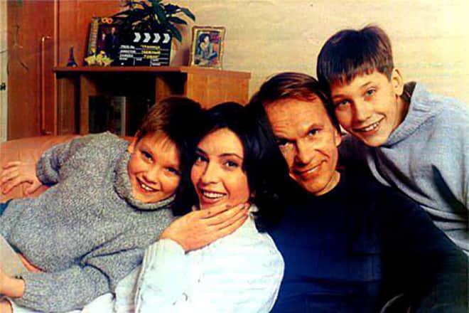 Алексей Гуськов с семьей
