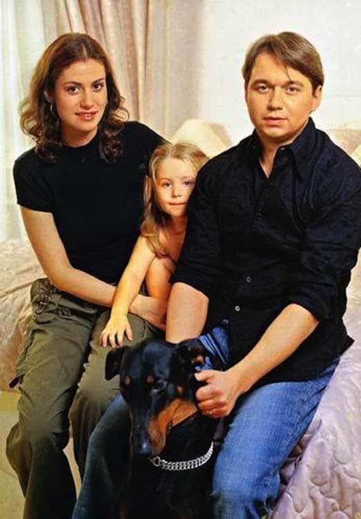 Анатолий Ильченко с Анной Ковальчук и дочкой