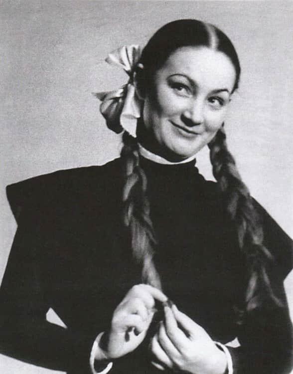 Людмила Хитяева в юности