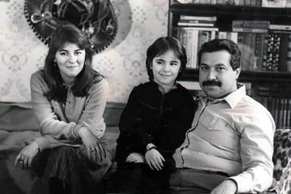 Юлий Гусман с женой и ребенком