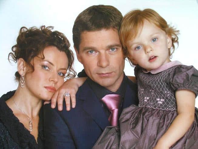 Сергей Маховиков с женой и ребенком