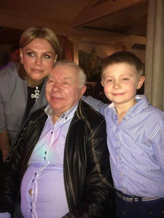 Андрей Мартынов с семьей