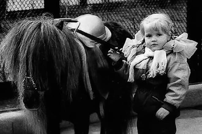 Анна Михайловская в детстве