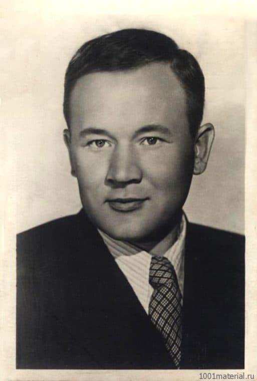 Борис Андреев в молодости