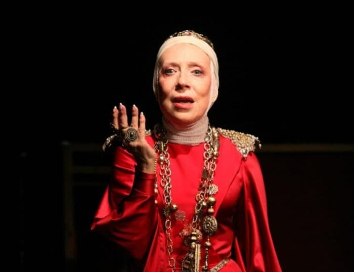 Инна Чурикова в театре
