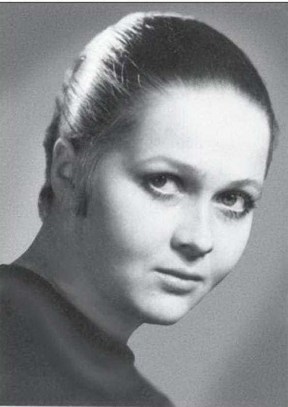 Наталья Гундарева в юности