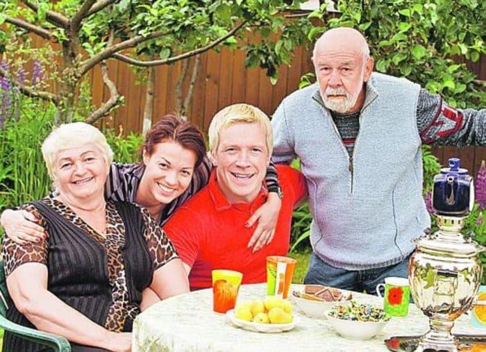 Лев Борисов с семьей