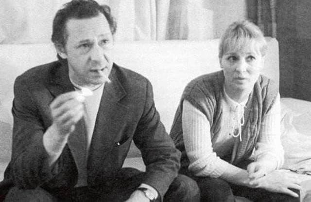Олег Ефремов с женой