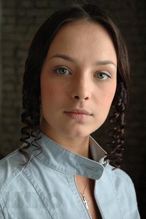 Анна Попова в юности