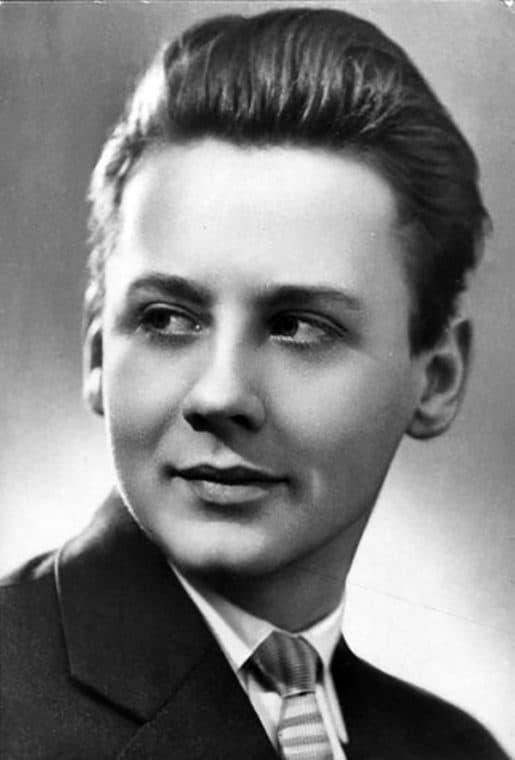 Олег Табаков в юности